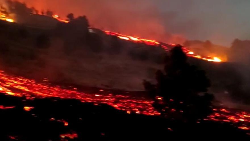 El magma 'rompe' el paisaje de La Palma