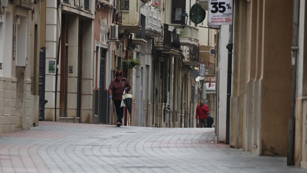 Una calle comercial de Alzira