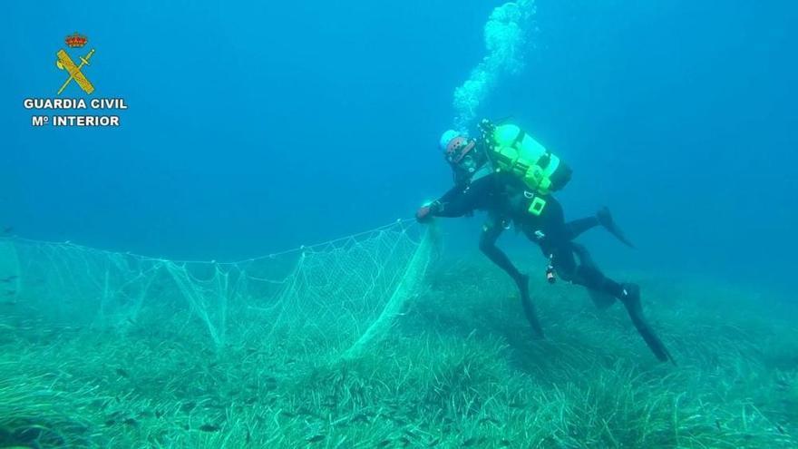 Guardia Civil entdeckt illegal zurückgelassenes Fischernetz vor Mallorca