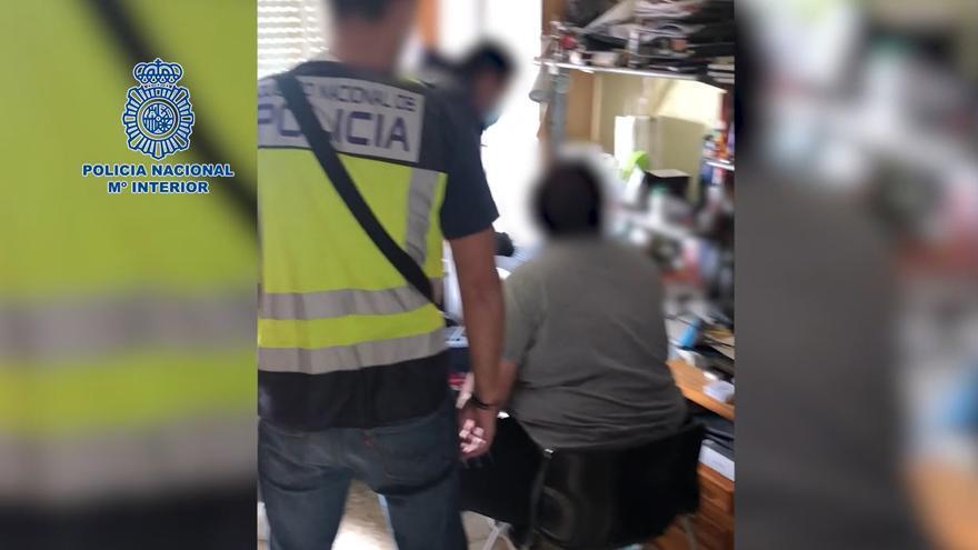 Dos detenidos por acosar y extorsionar a menores a través de redes sociales