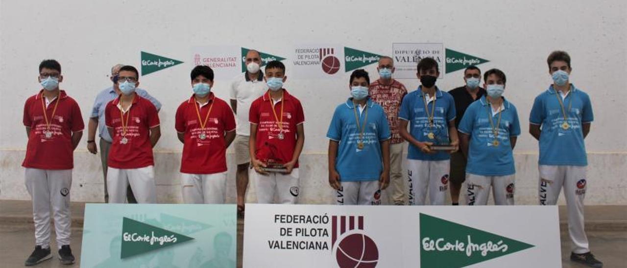 El equipo del Puig se impuso a Montserrat en la final infantil de los campeonatos escolares.  | L-EMV