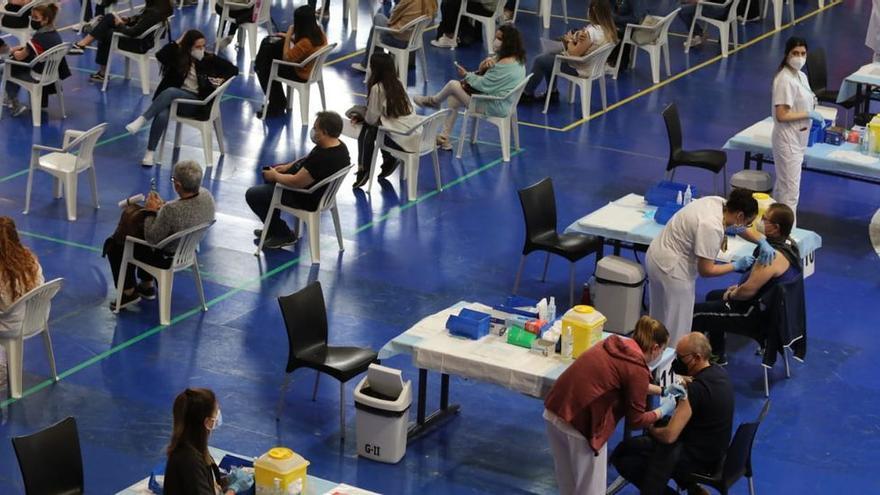 El pabellón Esperanza Lag de Elche pasa hoy del deporte a la vacunación masiva