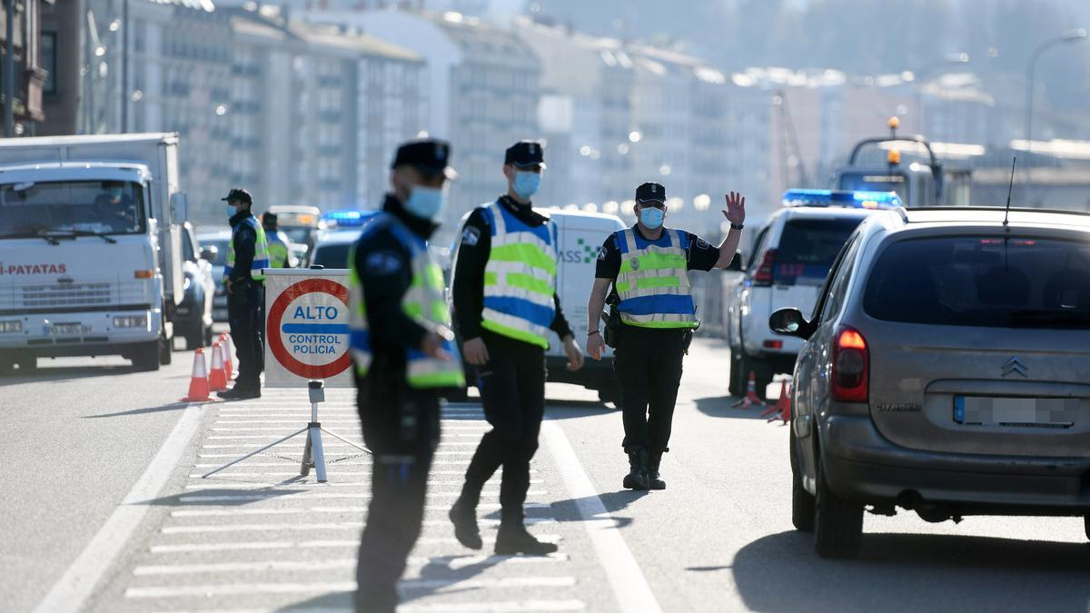 Un control de la Policía Local en Marín