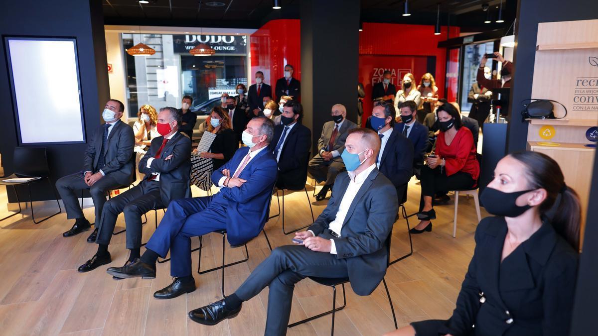 El acto se celebró en el nuevo Work Café Banco Santander de la calle Barcas.