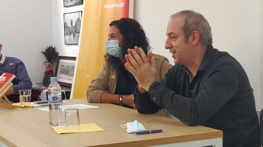 El callussenc Jordi Badia presenta 'Salvem els mots' a Súria