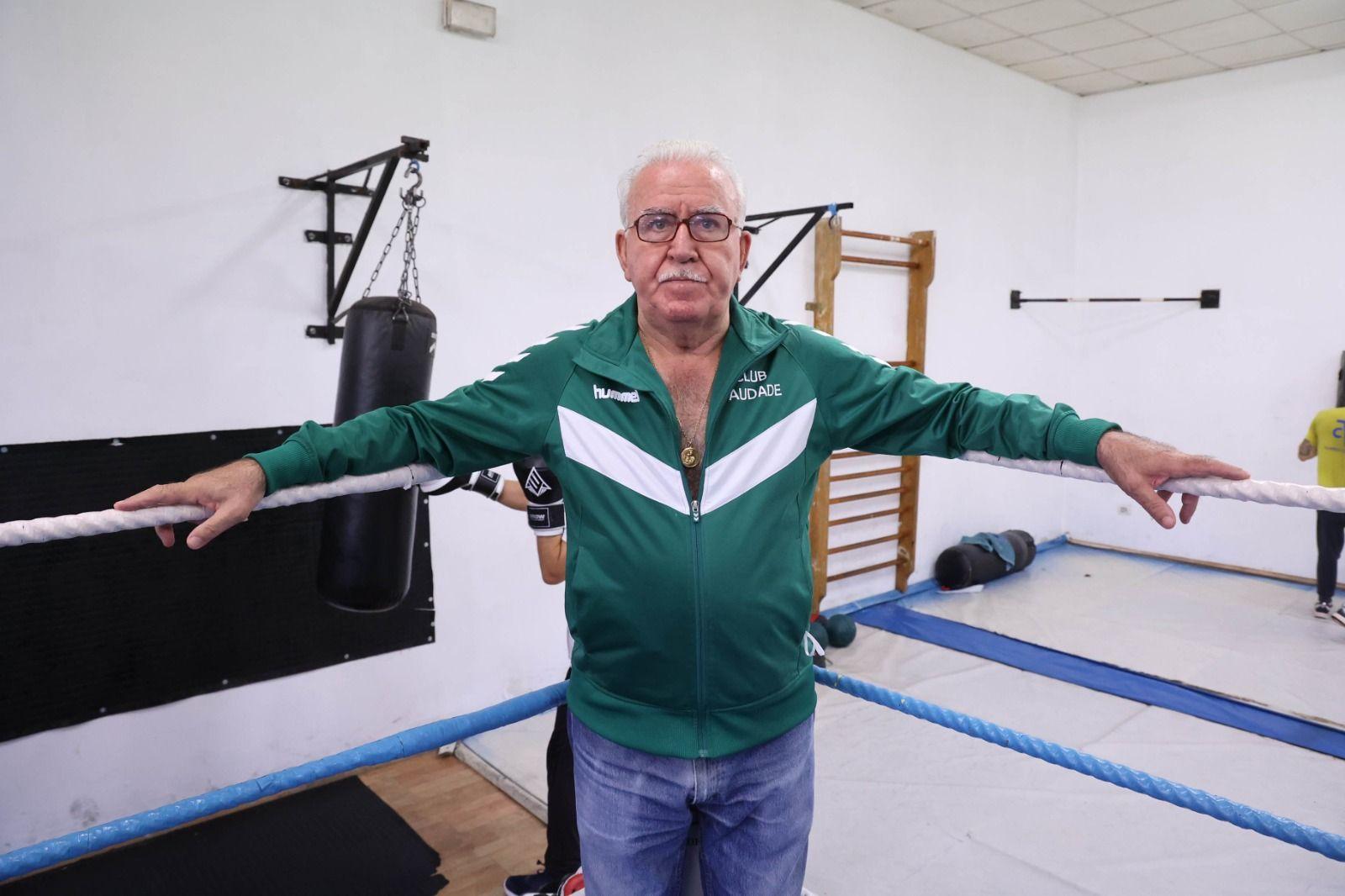 Paco Amoedo en el polideportivo Saudade