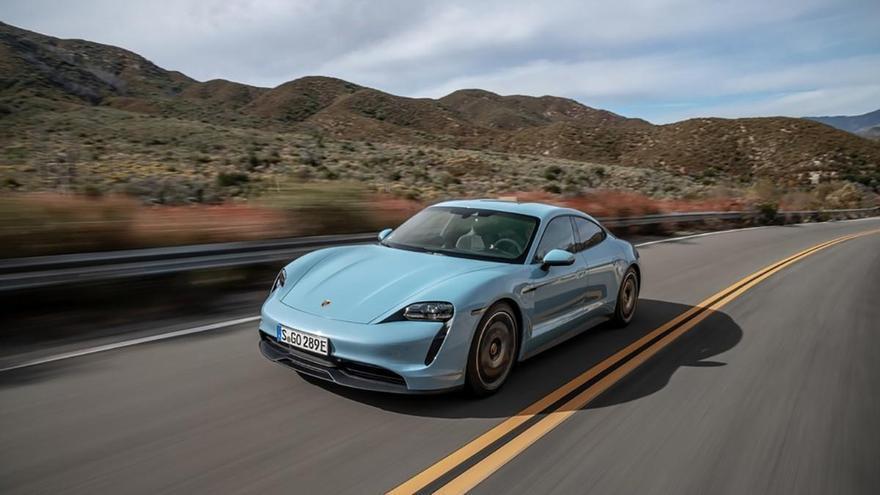 Porsche lanzará en octubre la primera renovación del Taycan con nuevas funciones