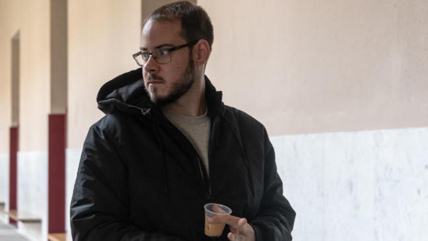 Pablo Hasél no quiere compartir celda ni ayudar a limpiar la cárcel