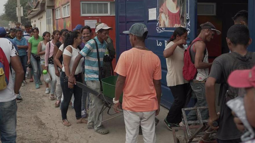 Tanques entre Perú y Ecuador evidencian las tensiones por la migración venezolana