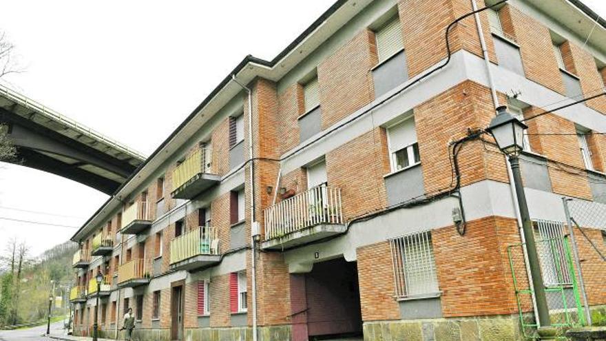 Ciudadanos pide que se reparen las viviendas de El Pontón, en Sotrondio