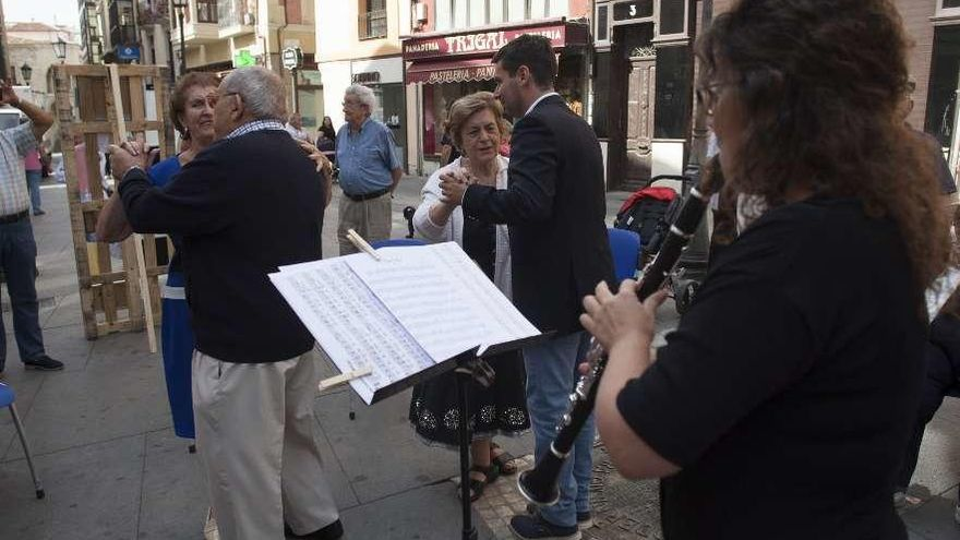 Zamora | La Asociación de Alzheimer busca financiación para seguir con la musicoterapia
