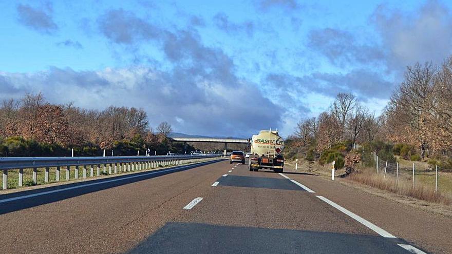 El Gobierno confirma a UPL el arreglo de 17 kilómetros de la A-52 desde Villabrázaro