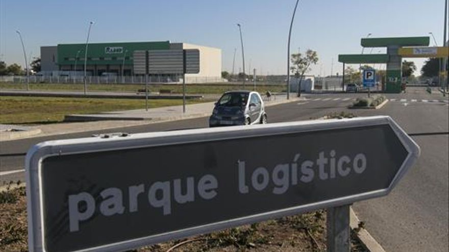 "El alcalde reconoce tener ""envidia sana"" del puerto seco de Antequera"