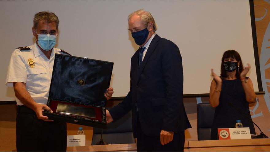 El comisario de Ibiza recoge el premio Turno de Oficio
