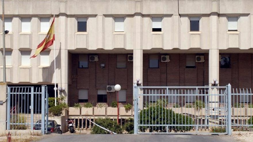 40 internos del CIE, en huelga de hambre para que les suelten por el coronavirus