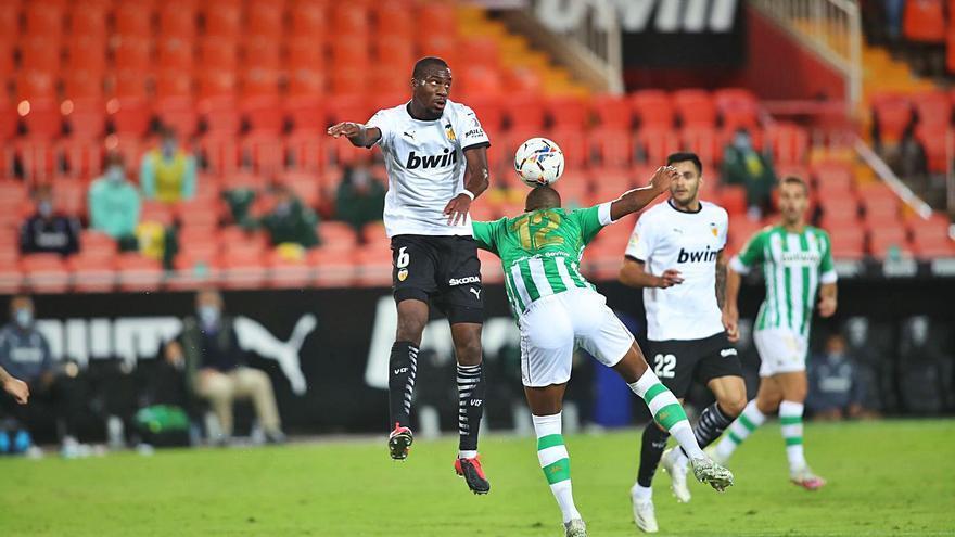 La gestión de Lim lleva al Valencia al límite