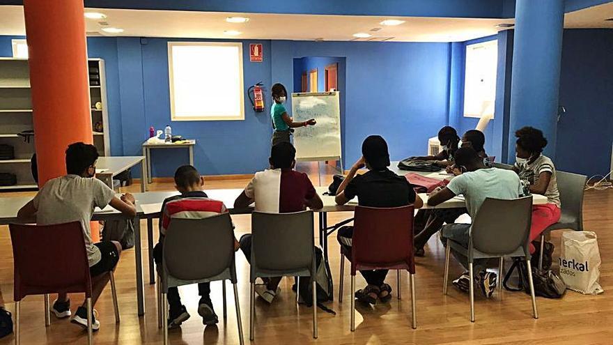 Éxito de las aulas de aprendizaje del castellano para niños inmigrantes