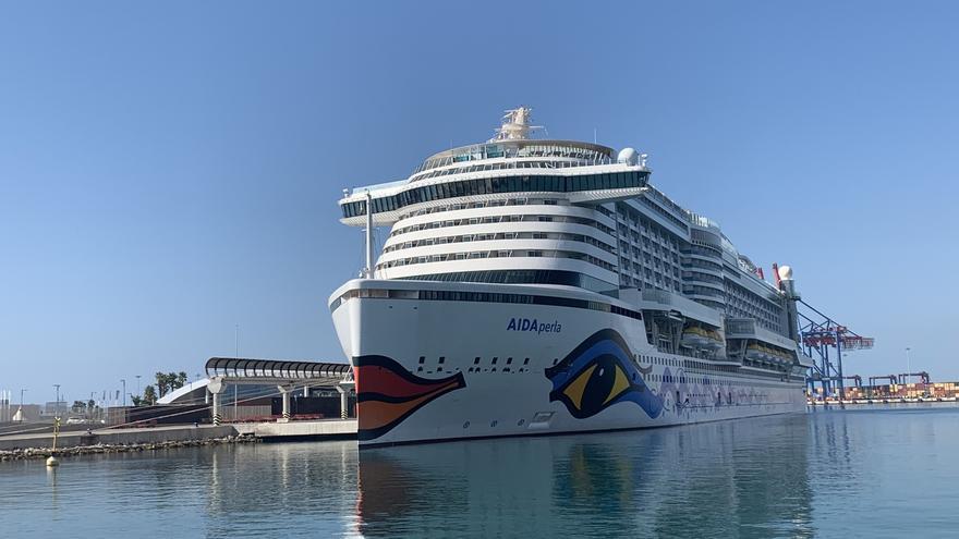 El puerto de Málaga recibe seis cruceros este mes de agosto