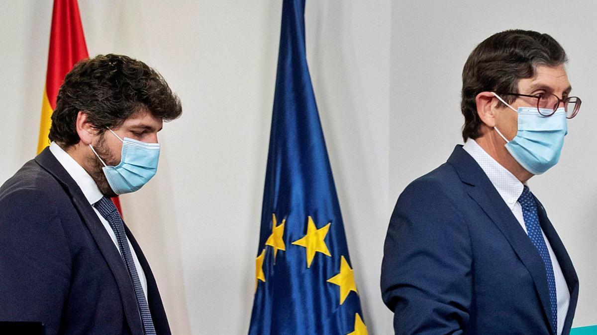 """Villegas dimite como consejero de Salud: """"Con tanto ruido es imposible"""""""