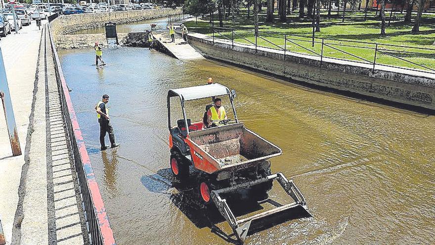 La piscina y el canal de La Isla abren desde hoy