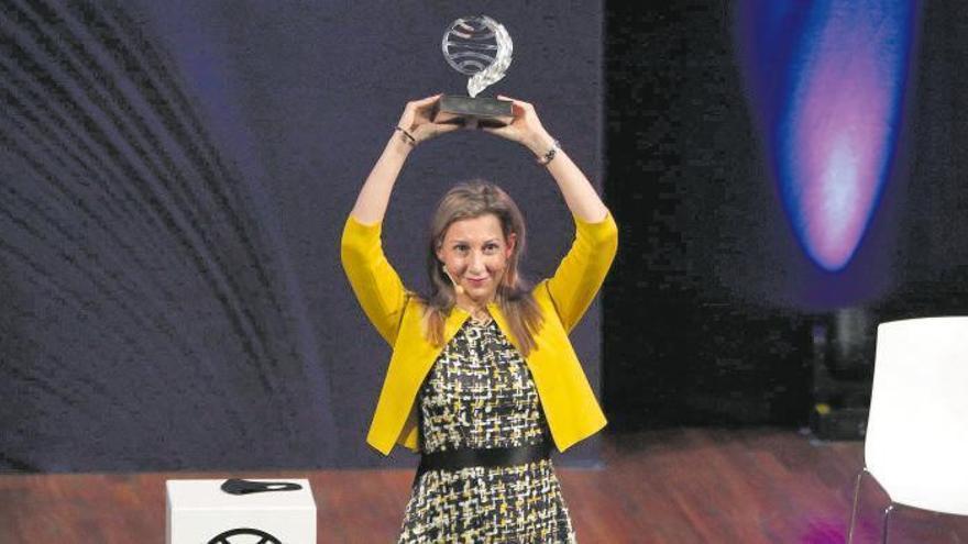 """Eva García Sáez de Urturi gana el Premio Planeta con """"Aquitania"""""""