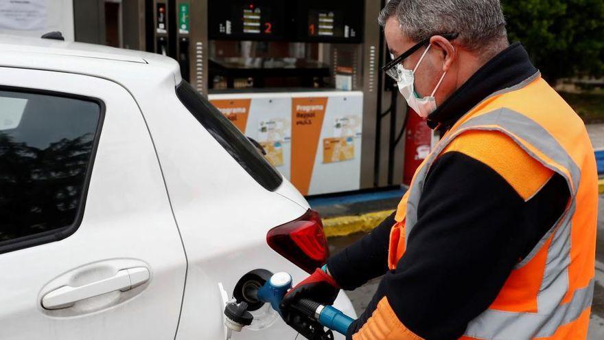 Investigan a una empleada de una gasolinera de Tenerife que se apropió de un bolso con 200 euros