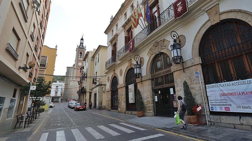 Primer paso de Sagunt para consolidar la plaza  a sus más de 300 interinos