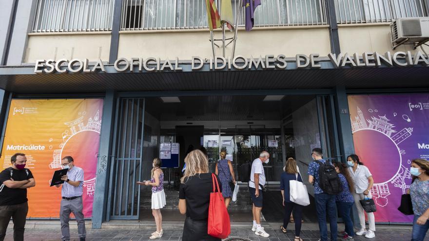 Imposible examinarse por libre de valenciano en las EOI