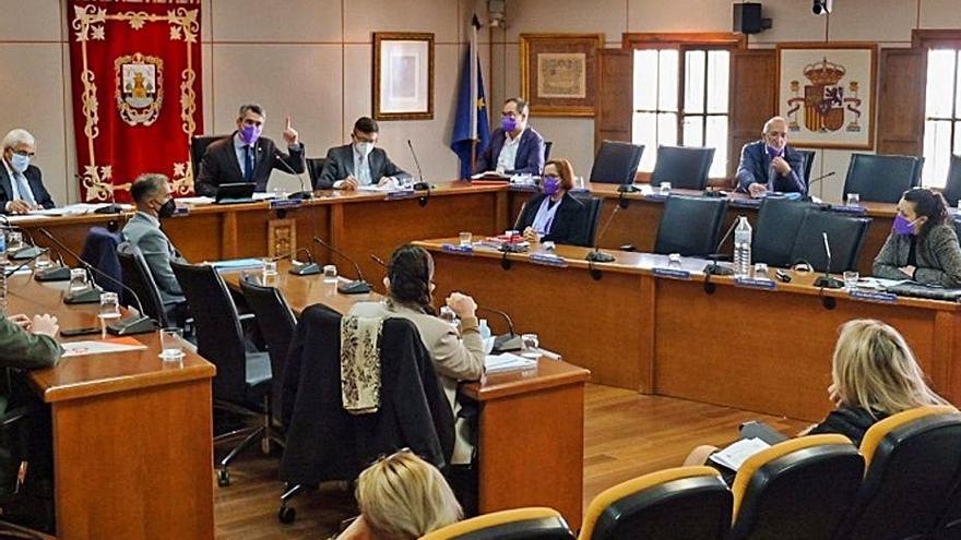 El equipo de gobierno de Benalmádena aprueba las cuentas de 2021 en solitario