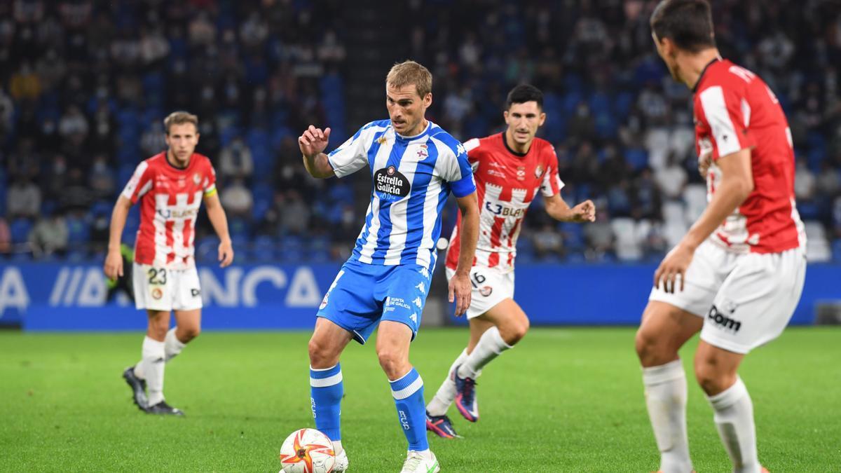 Álex, durante el partido en Riazor contra la SD Logroñés