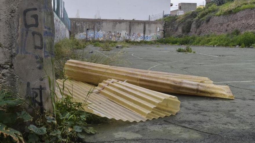 Urbanismo renovará la deteriorada cancha deportiva de Almatriche Alto