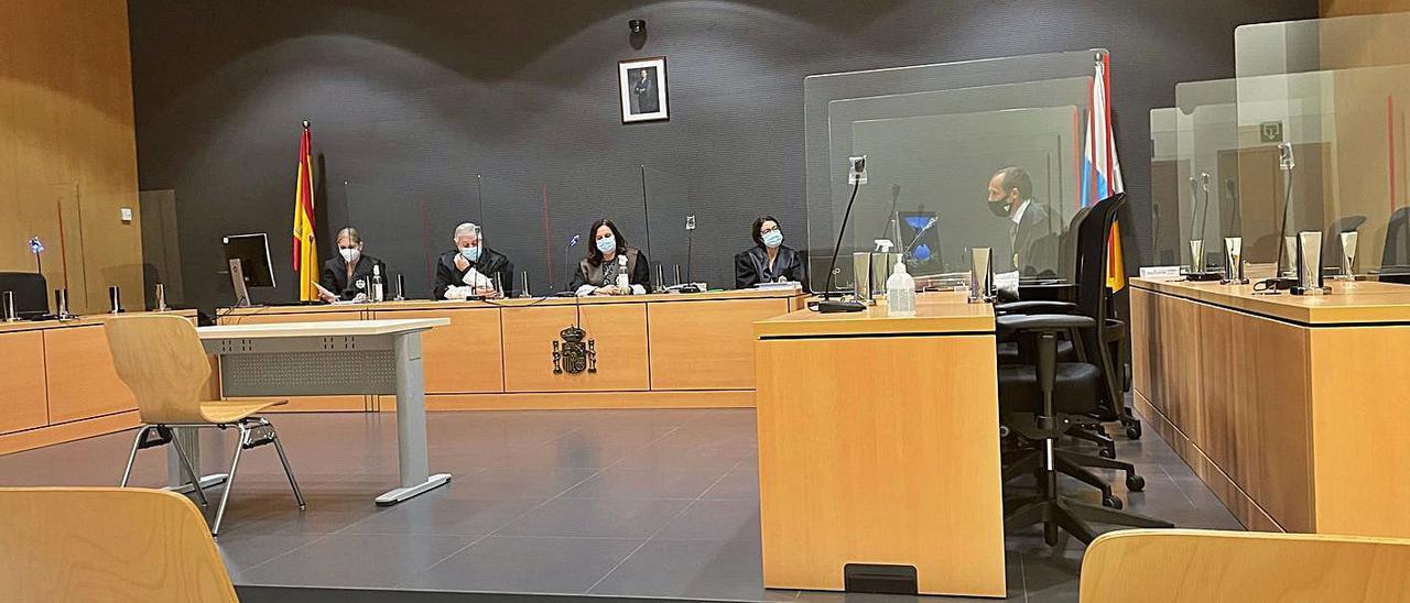 El Tribunal de la Sección Segunda de la Audiencia Provincial encabezada por la magistrada presidente Pilar Parejo Pablos.     LP/DLP