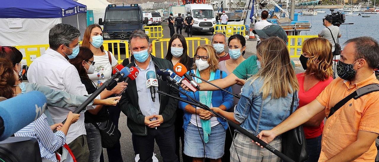 Canarias aprueba  el aislamiento de migrantes con Covid para evitar fugas