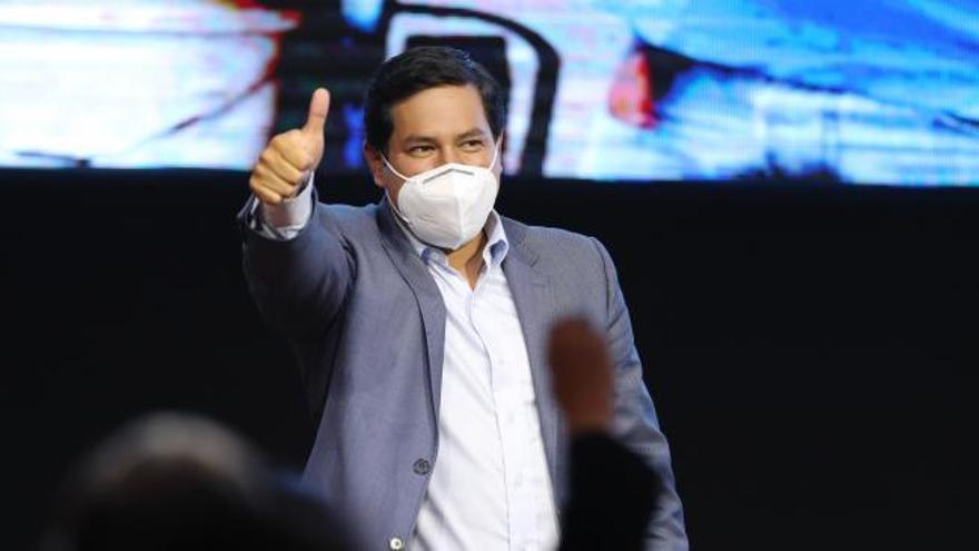 Arauz gana con un 32,2% de los votos la primera vuelta de las presidenciales en Ecuador