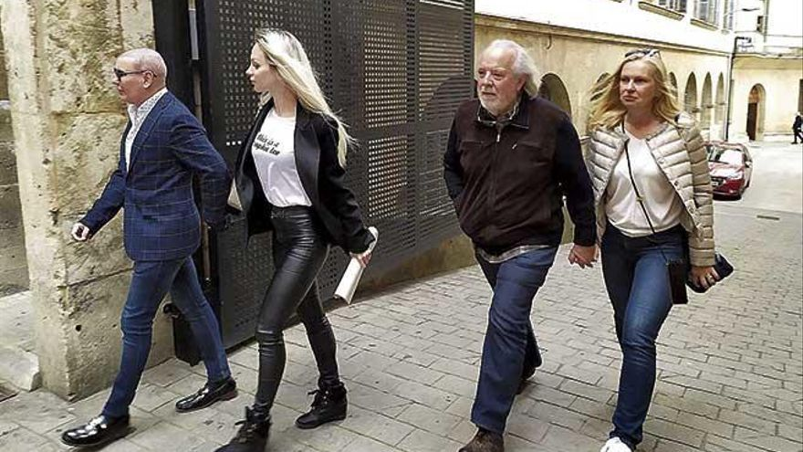 Cursach recoge el escrito de acusación en el que le piden ocho años y medio de cárcel