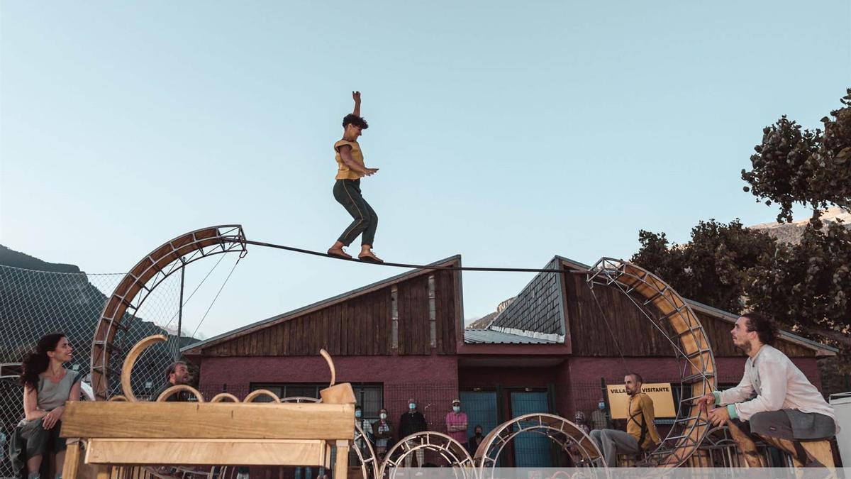 El Jacetania Circus Festival en Villanúa colgó el cartel de completo durante sus dos jornadas.