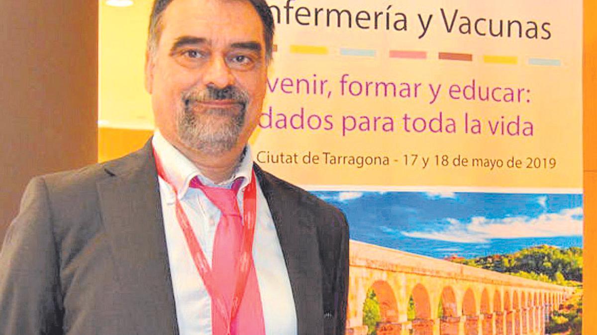 El castellonense José Antonio Forcada es el secretario de la Asociación Española de Vacunología.