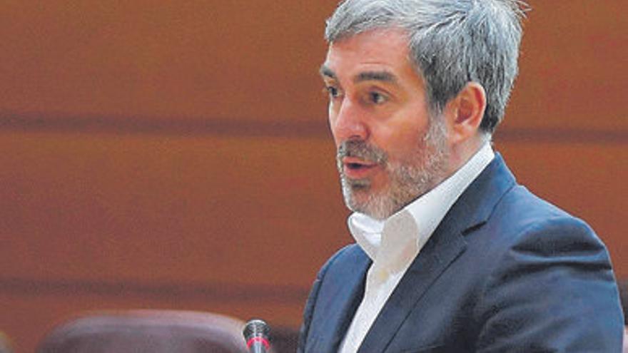 Clavijo no ve respuestas para Canarias y pronostica cinco años de crisis