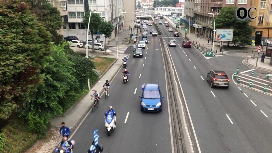 Unos 550 vehículos se suman a la marcha deportivista
