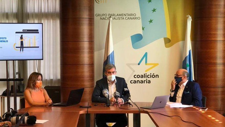 Clavijo pide la dimisión de la vicepresidenta Carmen Calvo