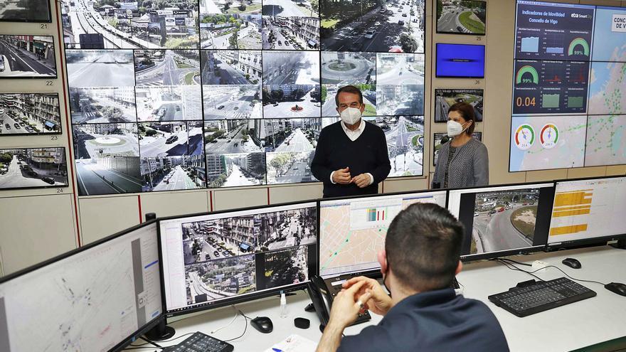 El Concello lleva la inteligencia artificial a pie de calle