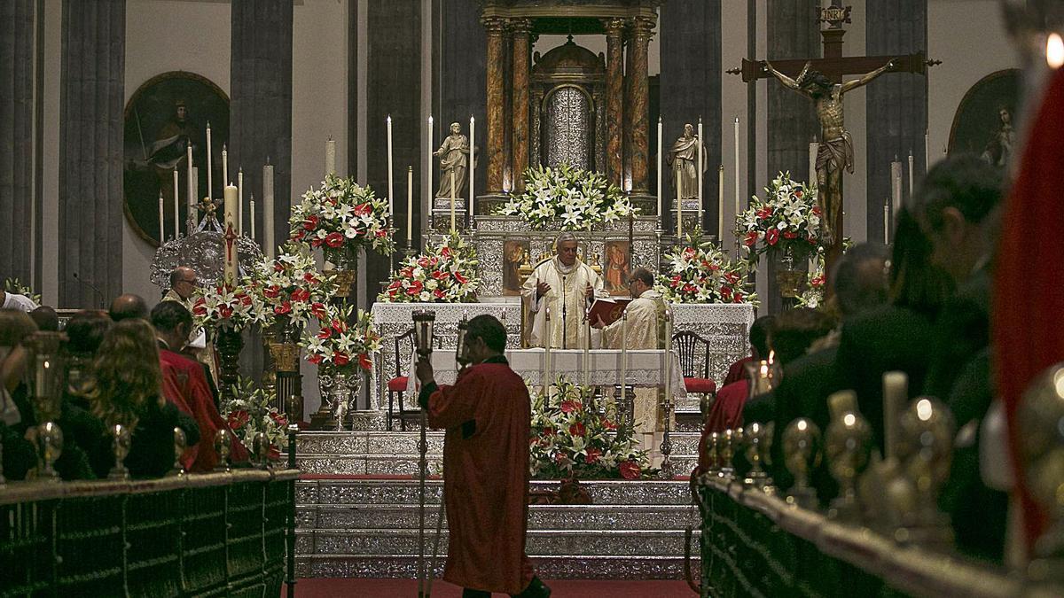 Un acto en el interior de la Catedral de La Laguna.