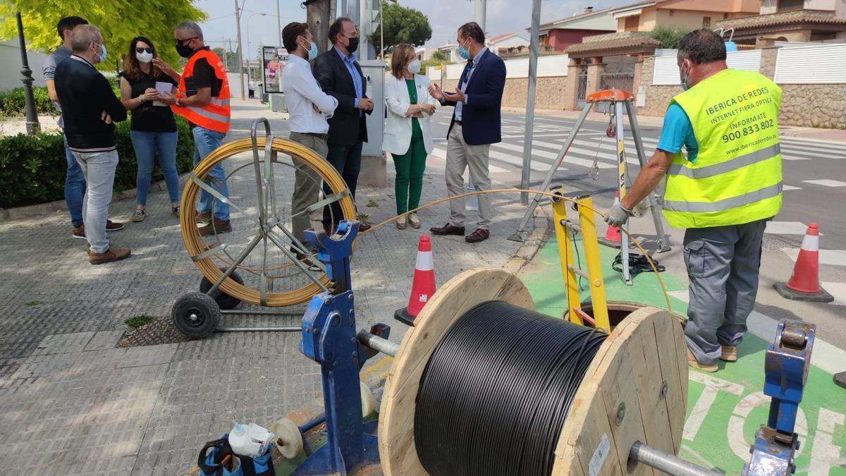 La alcaldesa, Susana Marqués, visitó este viernes las obras con el edil Carlos Díaz y responsables de la empresa.