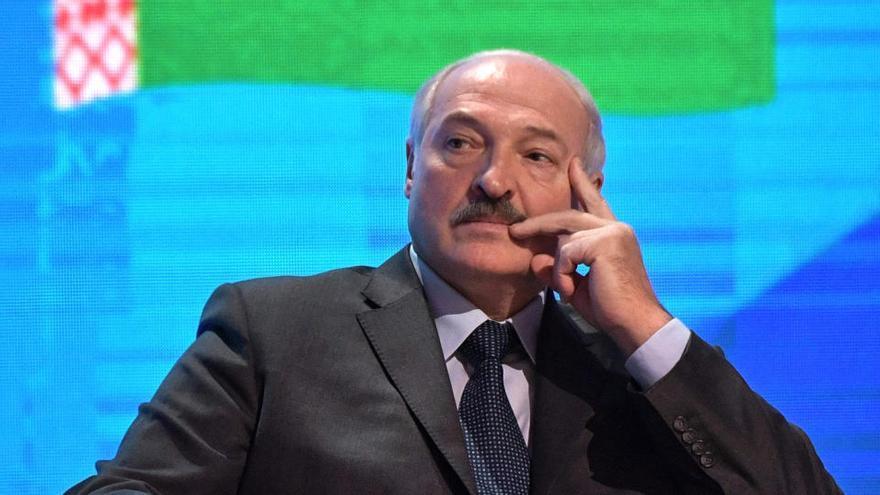 Lukashenko acusa a la oposición de buscar el poder