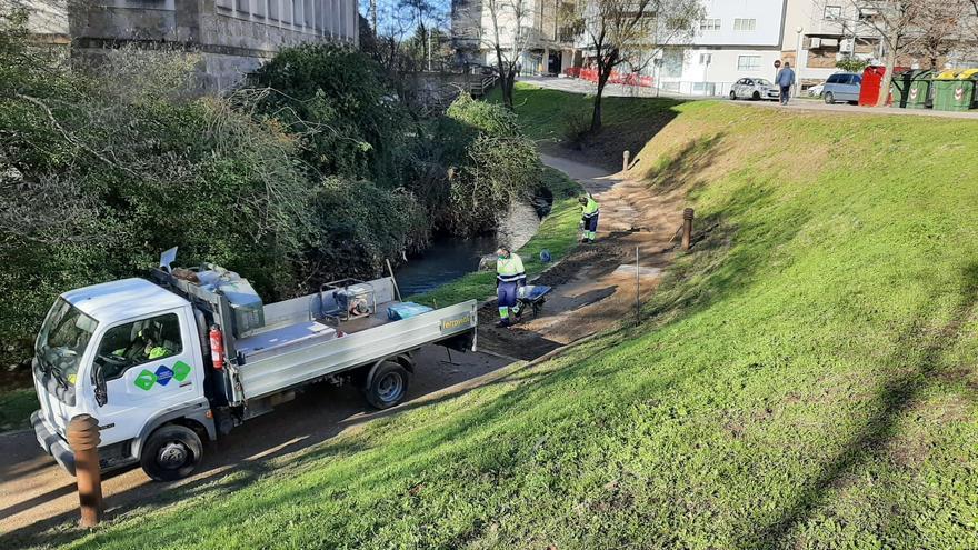 El sendero fluvial de Os Gafos vuelve a estar a punto