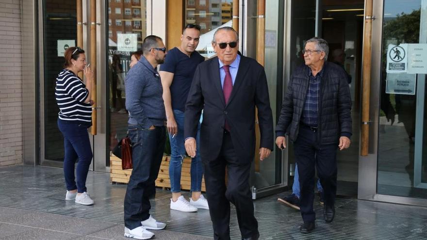 El juez ve indicios de que Carlos Fabra ocultó su patrimonio, percibió sobornos y blanqueó dinero