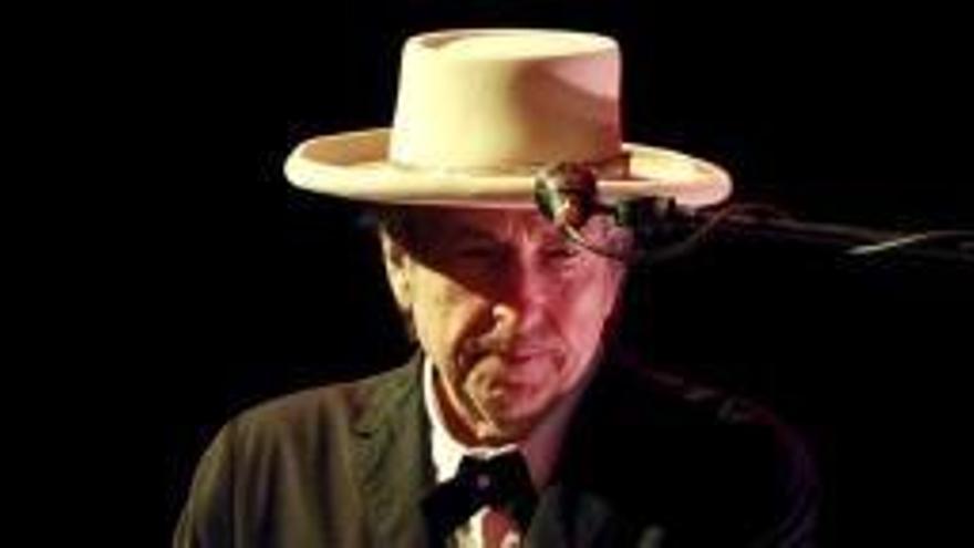 Dylan no anirà al lliurament del premi Nobel de Literatura