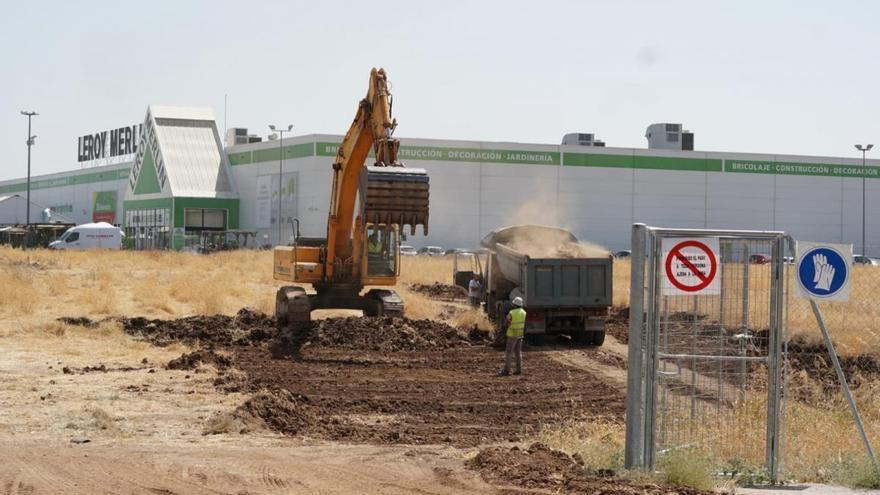 Comienzan los primeros trabajos para el parque comercial de la carretera de Palma