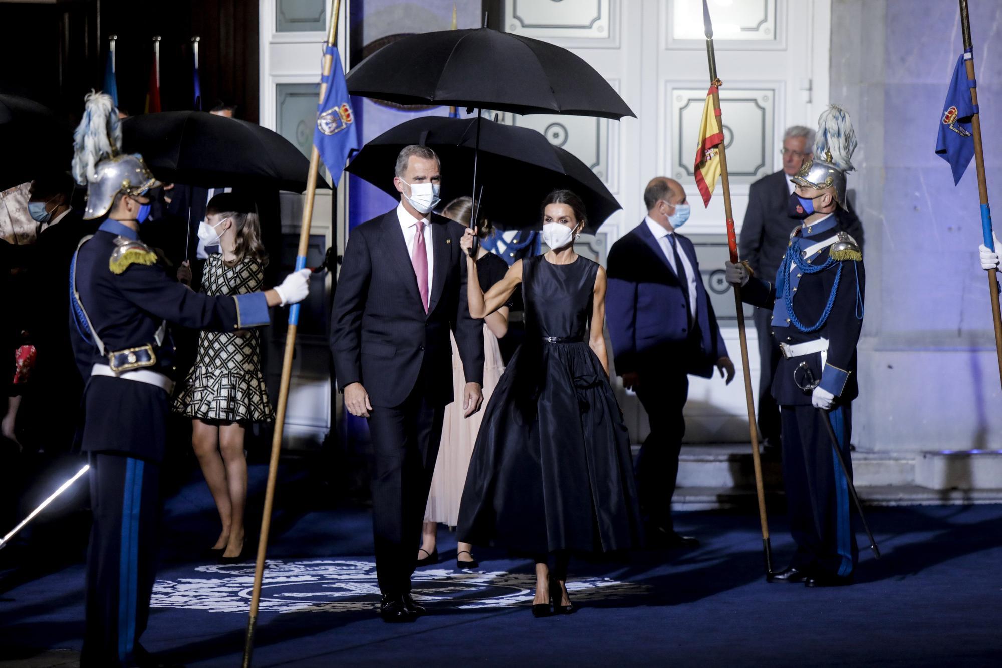 La salida del Camporamor tras la ceremonia de los Premios Princesa de Asturias