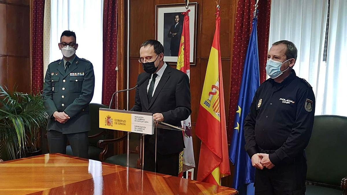Jesús González, Ángel Blanco y Guillermo Vara presentan la memoria de criminalidad de Zamora.